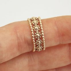 Gold daisy set ring 3